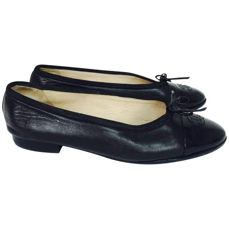 58b8ae2146b Chanel soft black lambskin leather ballet flats 38M For Sale at 1stdibs