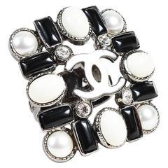 Chanel 06C Black White Gunmetal Gray Crystal Enamel & Faux Pearl 'CC' Ring SZ 6