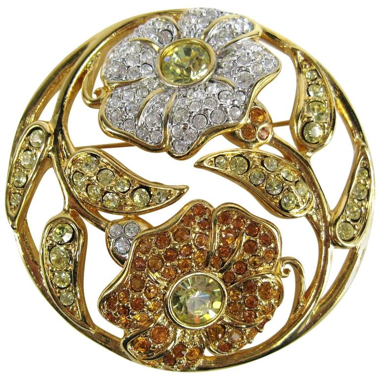 SWAROVSKI Crystal Floral Circle Brooch Pin Never Worn 1