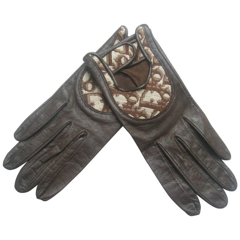 Christian Dior Chocolate Brown Leather Driving Gloves c 1970s For Sale