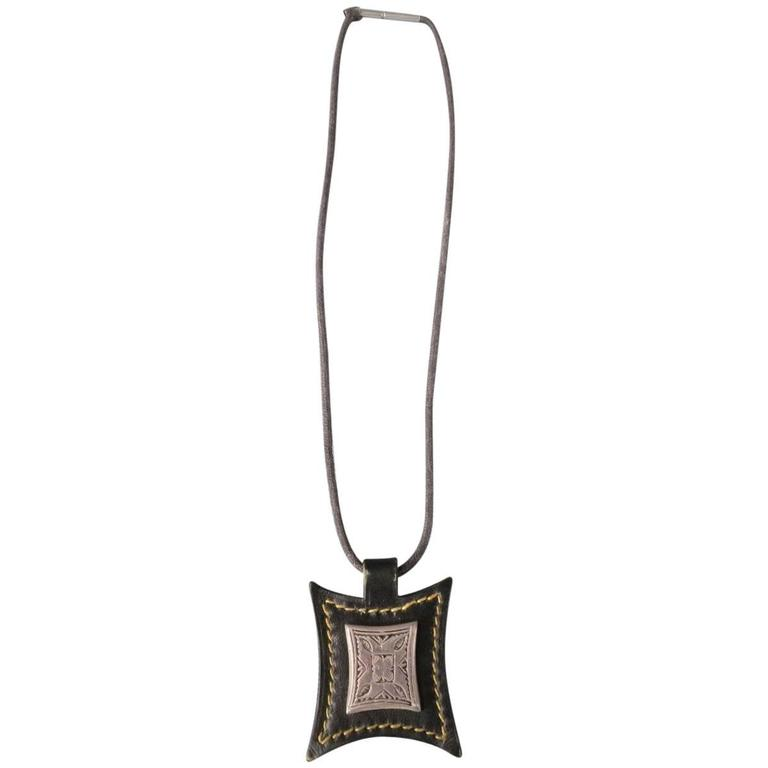 HERMES Necklace - Brown Leather Engraved Silver Metal 2003 Jewelry For Sale