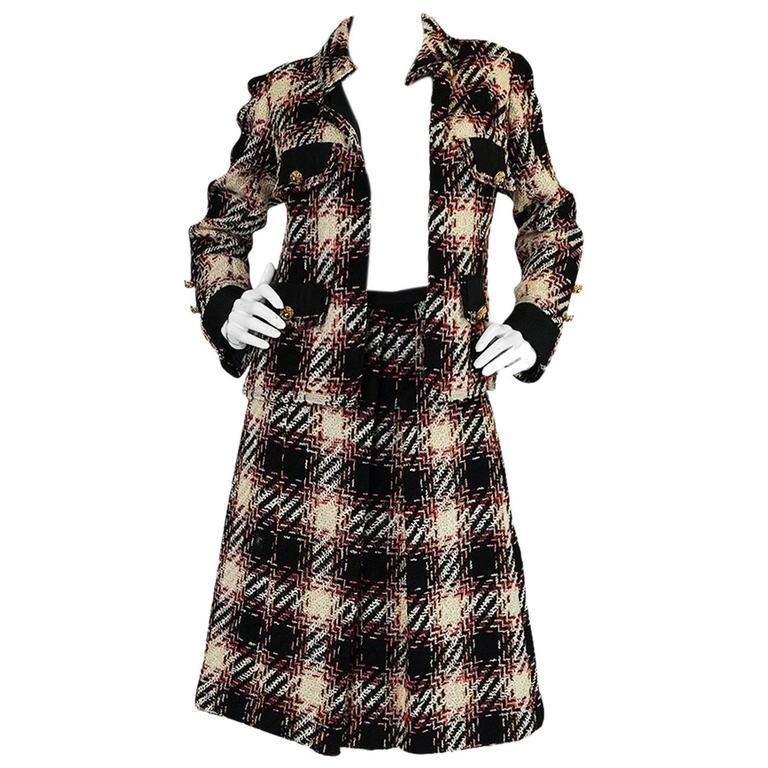 1960s unlabelled chanel haute couture boucle suit for sale for Haute couture suits