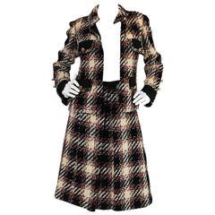1960s Unlabelled Chanel Haute Couture Boucle Suit