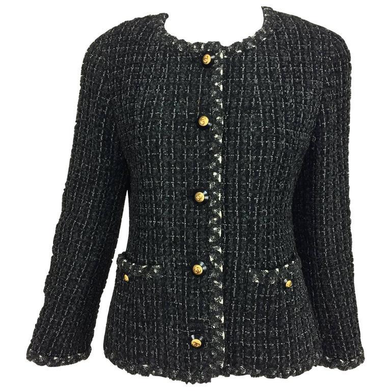 ef7c39154f57 Vintage 93A Chanel classic black grey cream tweed 2 pocket jacket 40 For  Sale
