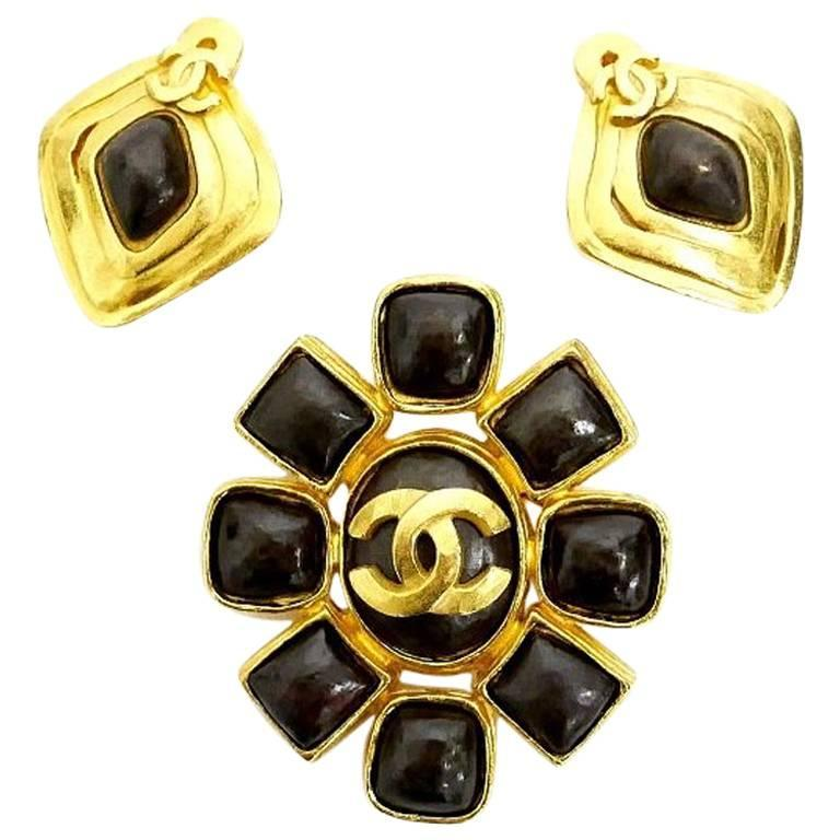 Vintage Chanel Stone Earrings, Pin Brooch Set Rare Gold For Sale