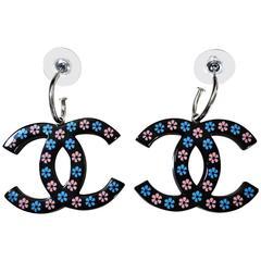 Chanel 2015 ✿*゚SUMMER EX LG HAND CARVING Daisy Flowers Resin Earrings