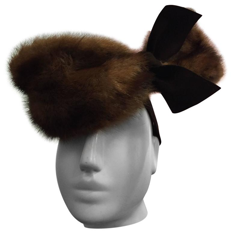 "1940s ""Lady Fair"" Mink and Felt Tilt Hat with Large Bow For Sale"