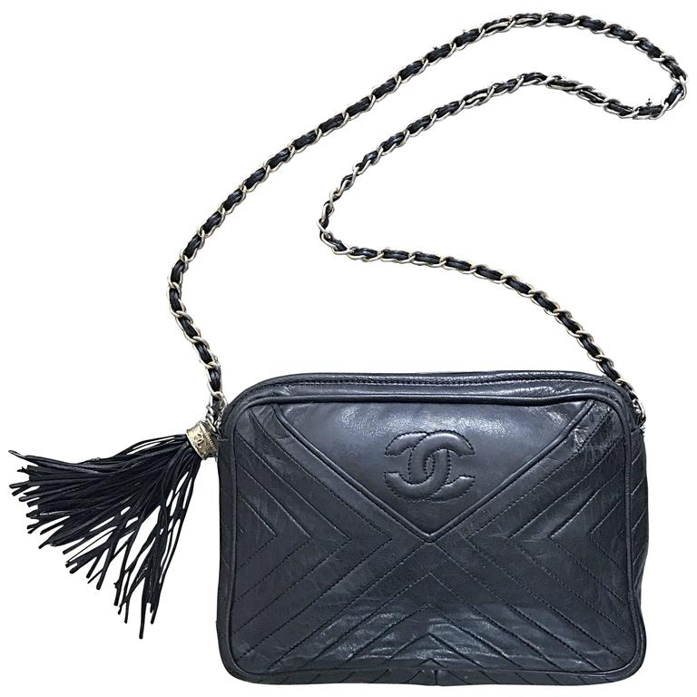 d235764daa7 Vintage CHANEL Black Leather Chevron Quilted Stripe Shoulder Bag 80s  Crossbody For Sale