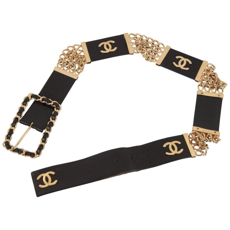 Chanel Vintage Gold Metal and Black Leather Belt CC Logo Chain Buckle Size 70/28 For Sale