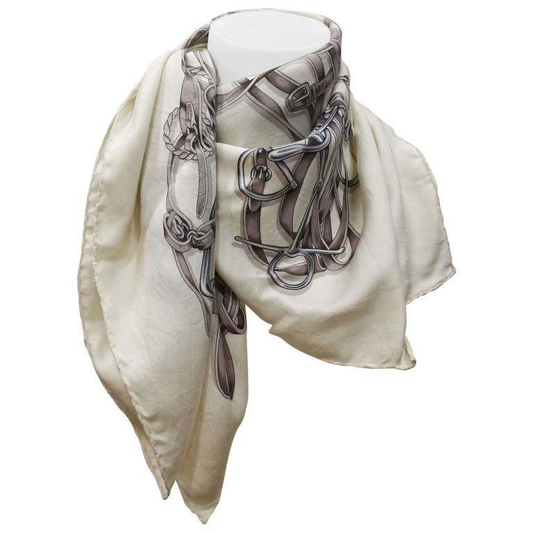 Gucci White Grey Silk Foulard For Sale