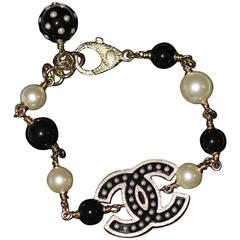 CHANEL Black and White Beaded Link Bracelet