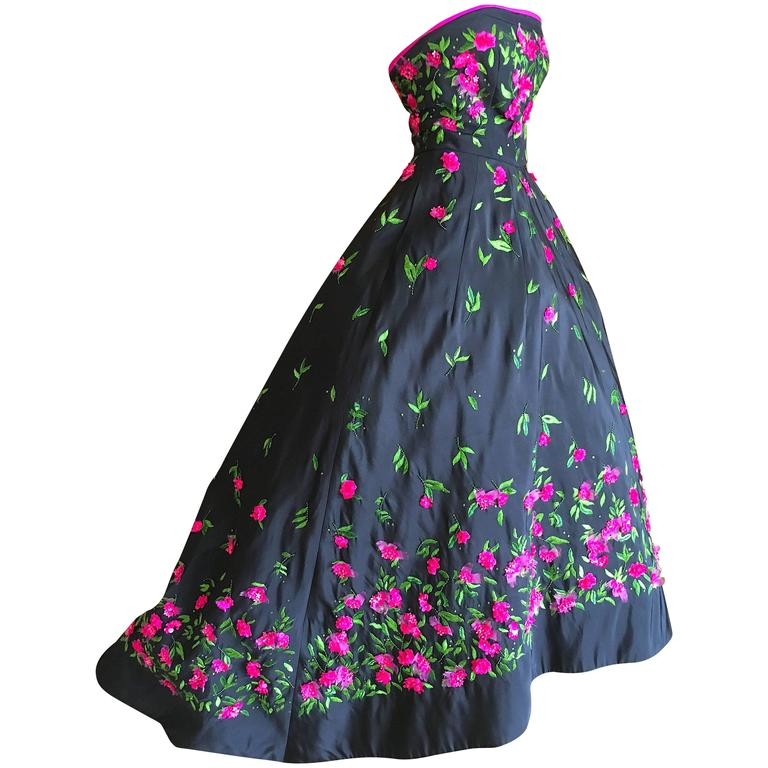 Oscar De La Renta Black Evening Gown With Floral Embroidery At 1stdibs