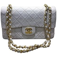 Chanel Classic White Quilted Lambskin Gold Chain Flap Bag