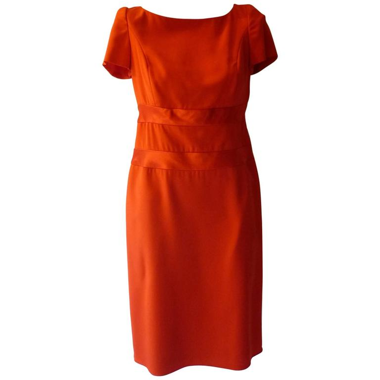 Lovely Carolina Herrera Red Silk Dress with PLEATED BACK  10 US