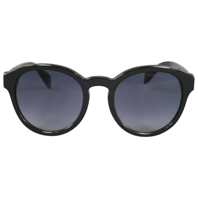 ALEXANDER MCQUEEN Black Acetate Round Skull Sunglasses For Sale