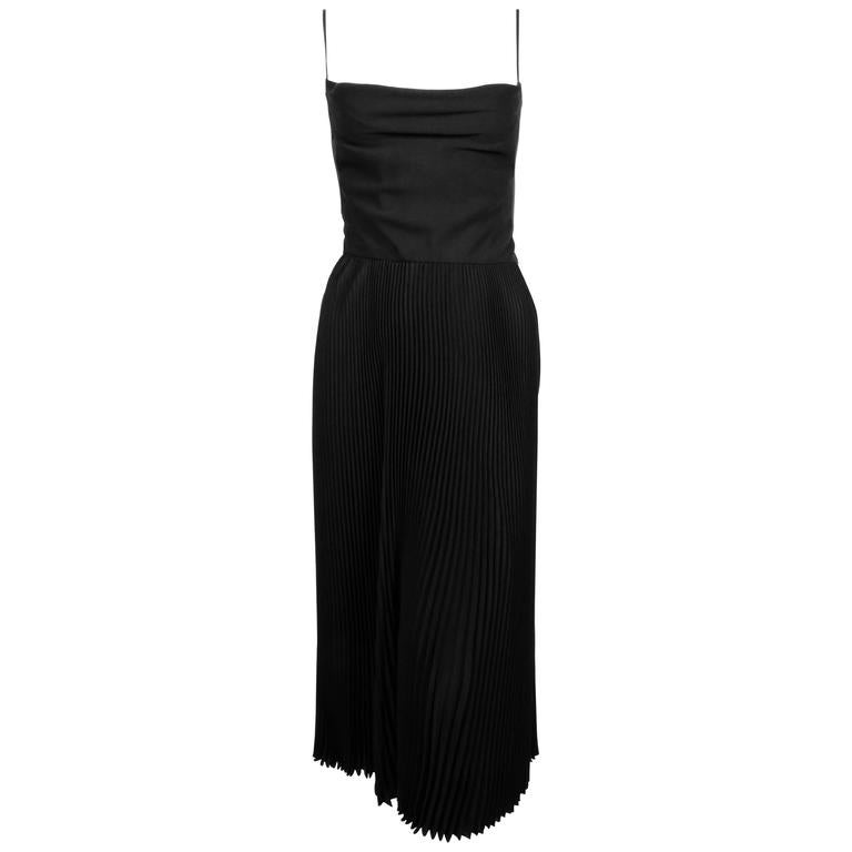 new 2016 VALENTINO black silk runway dress with plissé folds and elegant draping