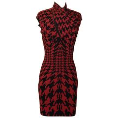 Alexander McQueen 2009 Red and Black Houndstooth Dogtooth Knit Scarf Dress