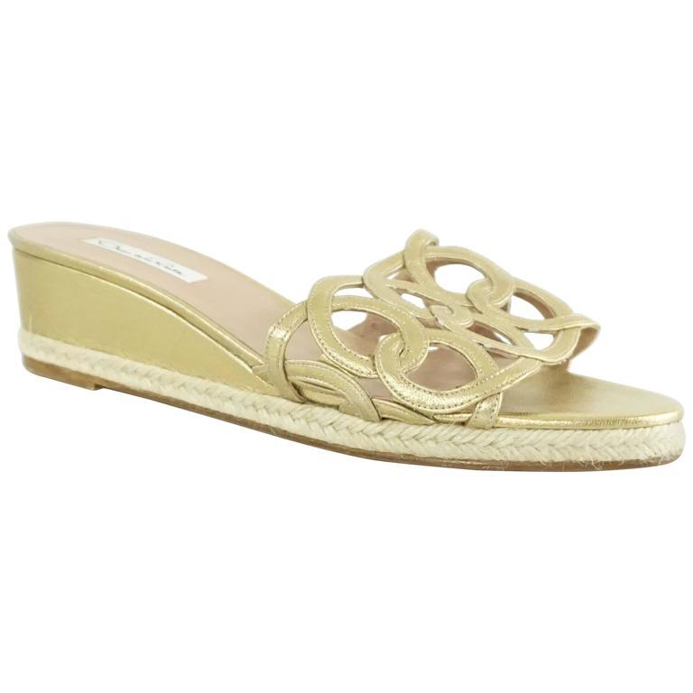 Oscar de la Renta Gold Cutout Leather Short Wedges - 41