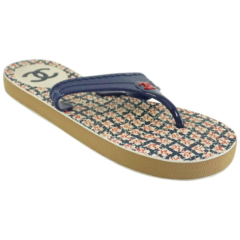 Chanel Navy Rubber Thong Sandals - 38 For Sale