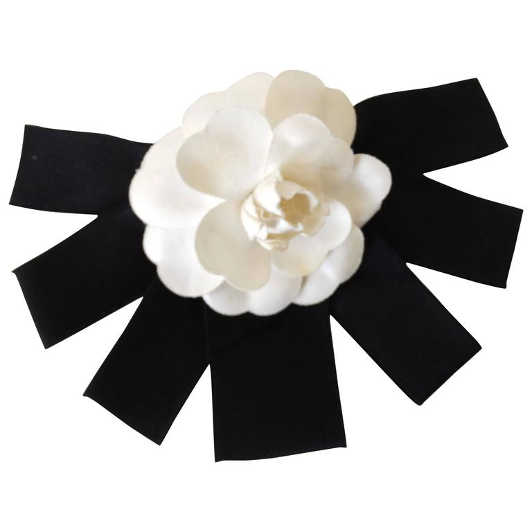 Classic 1980s Chanel White Camellia Flower Hair Barrette For Sale