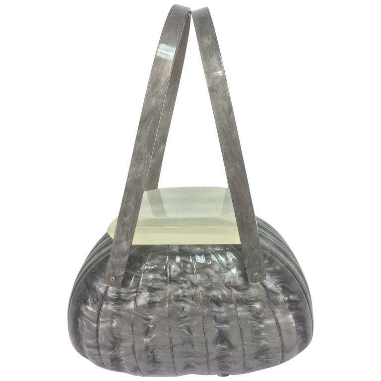 1stdibs Vintage Llewellyn Grey Pearlized Lucite Double Handle Handbag 1950s fMaCSVPr