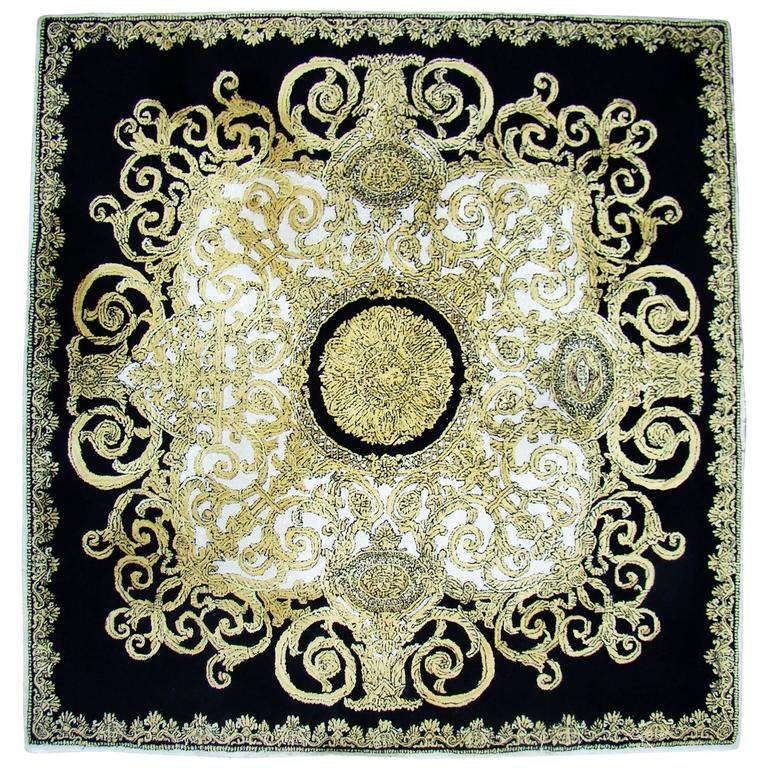 unique atelier versace hand tufted rug from baroque with medusa design for sale at 1stdibs. Black Bedroom Furniture Sets. Home Design Ideas