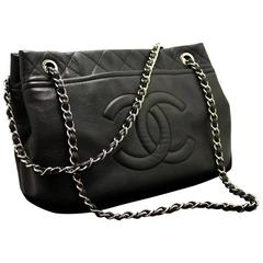 CHANEL Caviar Chain Shoulder Bag Crossbody Black Silver Quilted