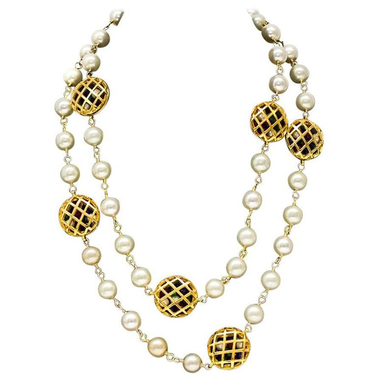 1980s Chanel Pearl Necklace with Poured Glass Beads 1