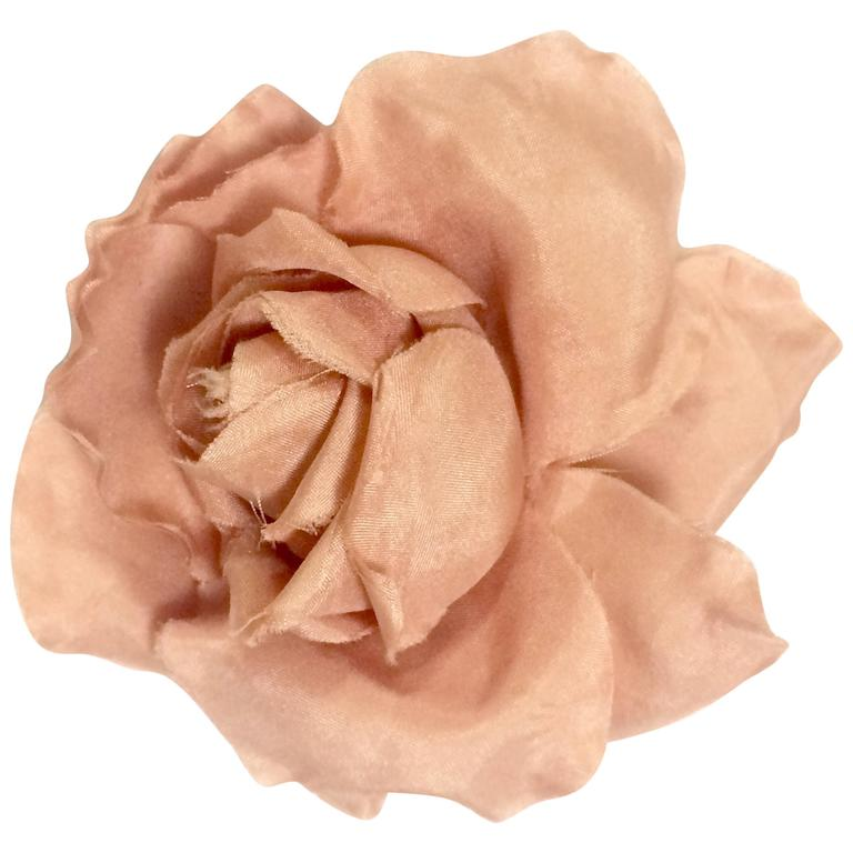 Vintage CHANEL salmon pink rose, flower silk brooch. Very elegant accent. 1