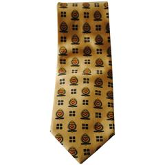 Saks Club Yellow emblems tie