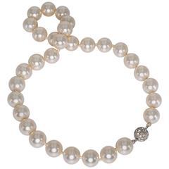 Vintage Unworn Bergdorf Goodman Classic 12mm Strand Faux Pearl Necklace