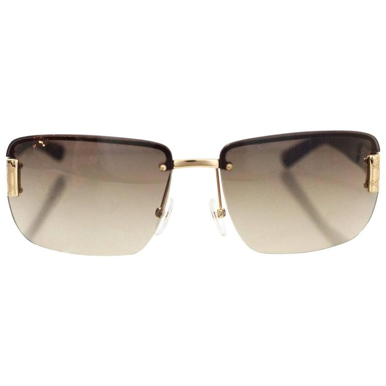 34d6b9ffd63 Gucci Brown Logo Sunglasses w Case For Sale at 1stdibs