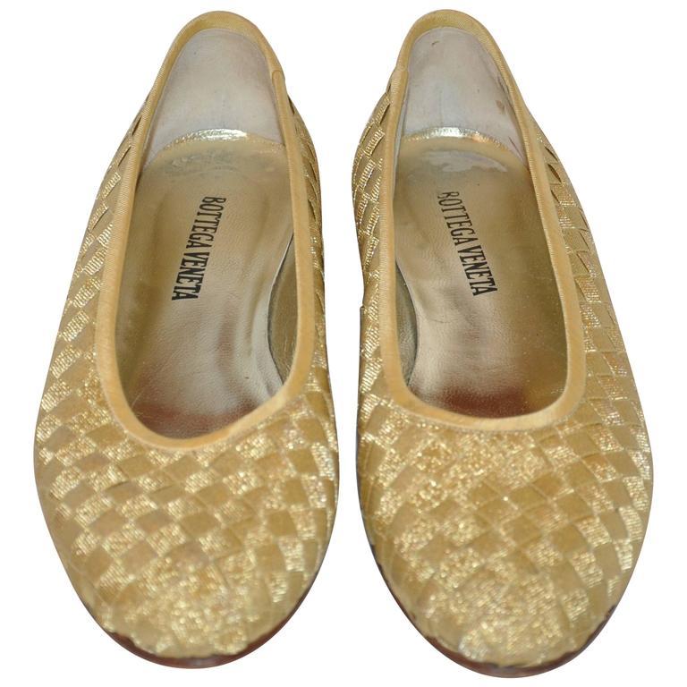 519636b94 Bottega Veneta Signature Woven Gold Lame Wedge Flats For Sale at 1stdibs