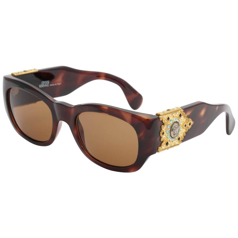 4f77a1034000 Vintage Gianni Versace Sunglasses Mod 413 h Col 900 For Sale at 1stdibs