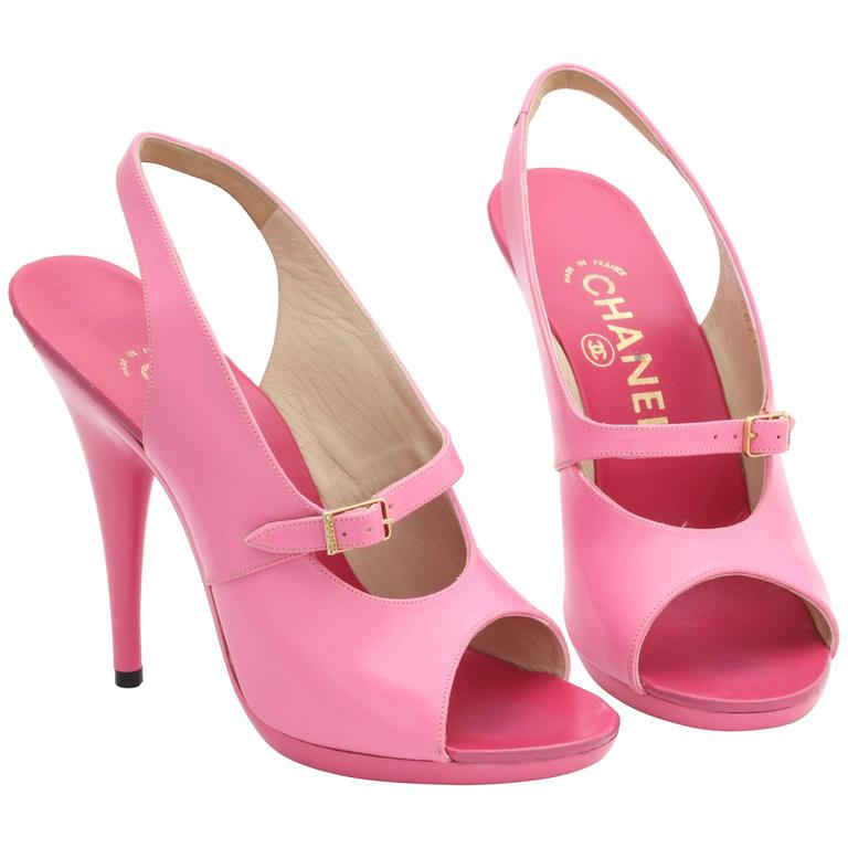 1995 Vintage Chanel Claudia Schiffer Pink Sandal Shoes For Sale
