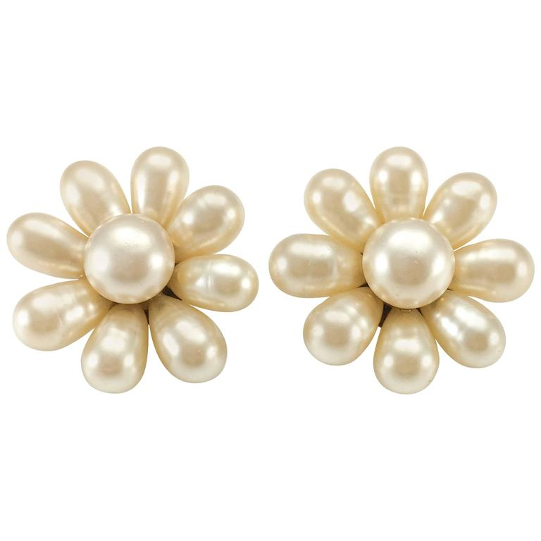 1970's Chanel Gripoix Pearl Flower Earrings 1