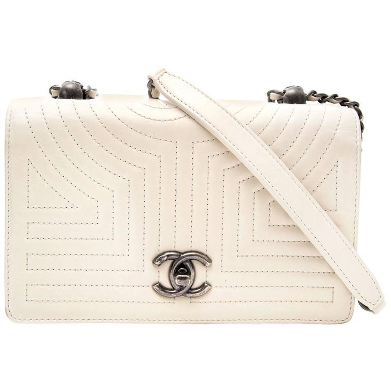 2c554dbe1ff016 Chanel White Flap Bag at 1stdibs