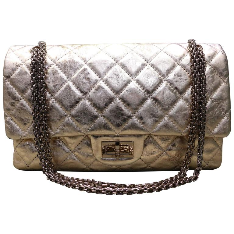 Chanel Rose Gold Metallic 2.55 Quilted Calfskin Shoulder Jumbo Double Flap  Bag For Sale 82c28105ca448