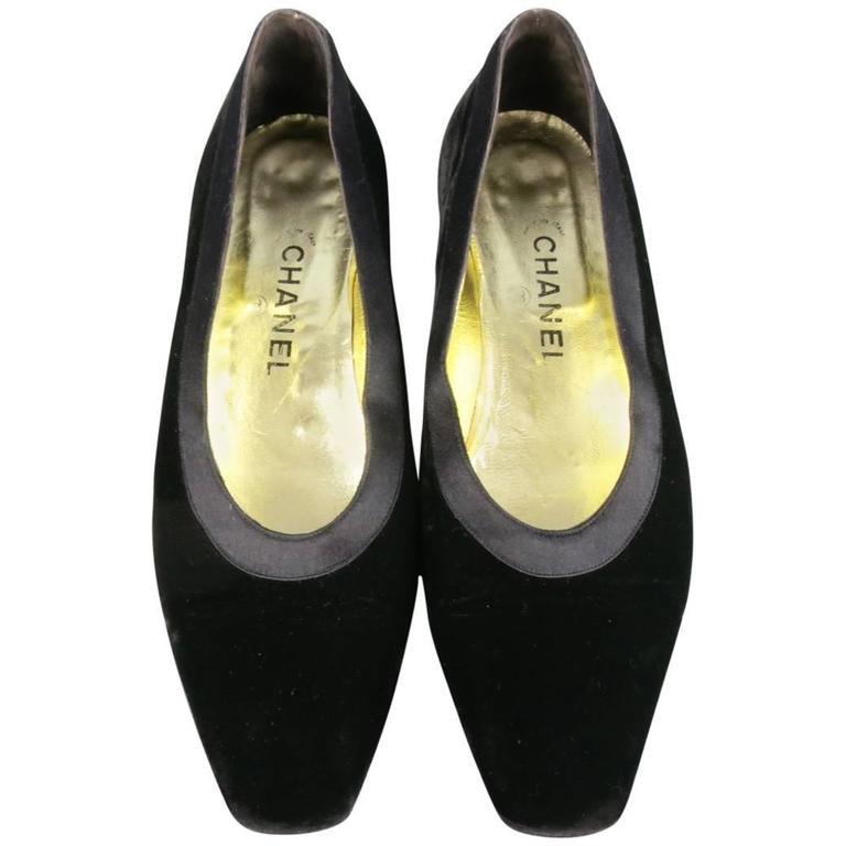 Vintage CHANEL Size 9.5 Black Velvet Tuxedo Flats 1