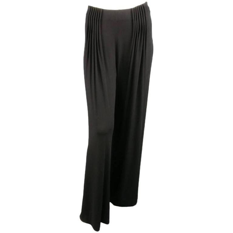 FENDI Size 6 Black Rayon Blend Pleated Front Wide Leg Dress Pants For Sale
