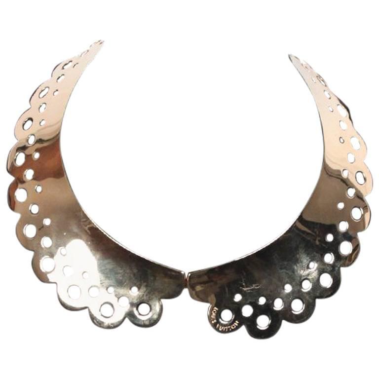 4f34284e7426 Louis Vuitton Gold Metal Lock Me Peter Pan Collar Necklace
