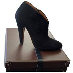 2014 Azzedine Alaia Black Suede Booties with Treasure Chest Shoebox (40)