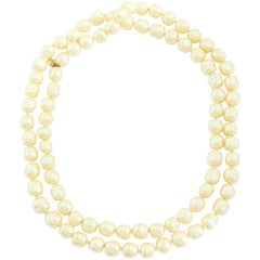 Iconic Chanel Glass Pearl Infinity Necklace Gripoix 18 inch 1981