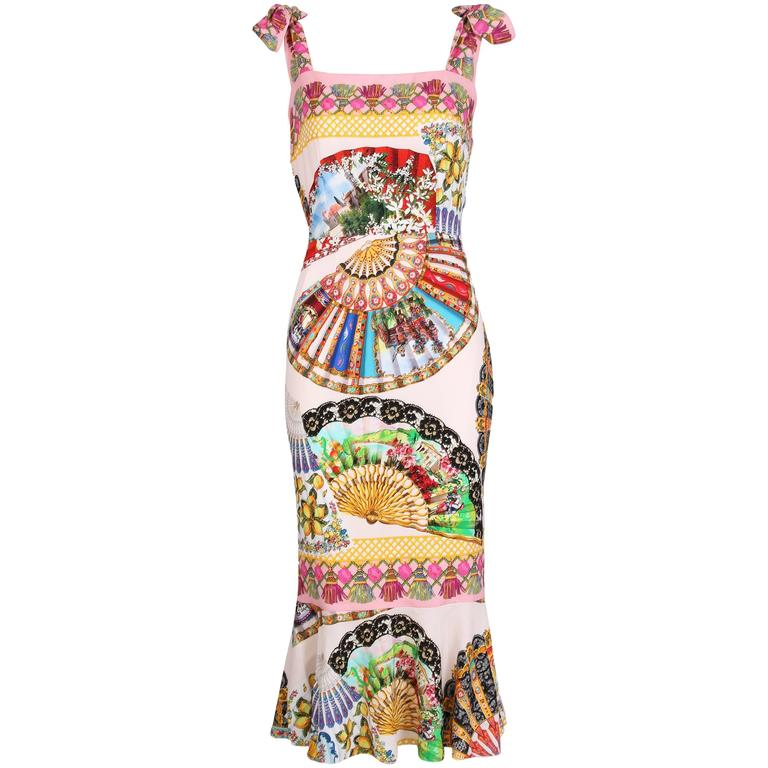 Dolce & Gabbana Fitted Silk Cocktail Dress W/Graphic Fan Print & Trumpet Hem For Sale