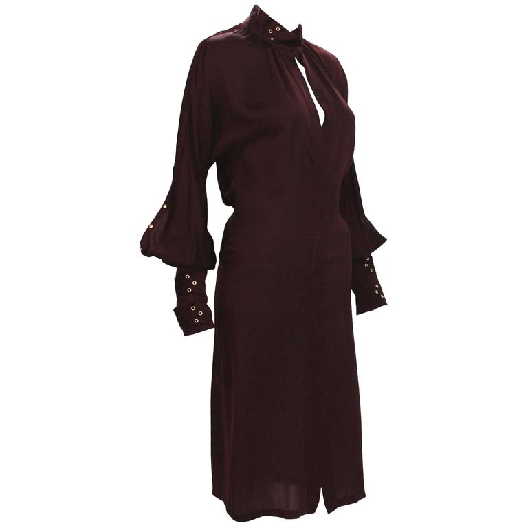 Tom Ford for Gucci 2003 Collection 3x Buckle Grommet Sleeve Burgundy Dress 40 -