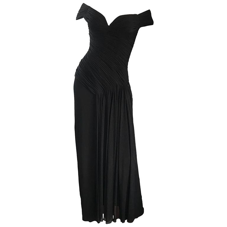 "Julia Robert's Vicky Tiel Couture "" Pretty Woman "" Black Off-The-Shoulder Gown"