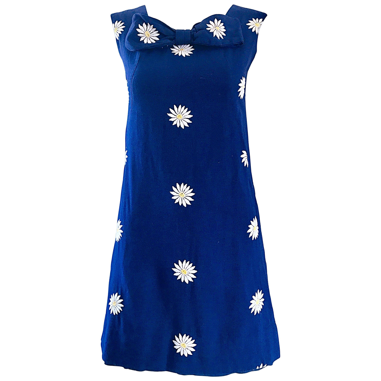 Chic 1960s Navy Blue Cotton Daisy Flower Print Vintage 60s Shift A - Line Dress