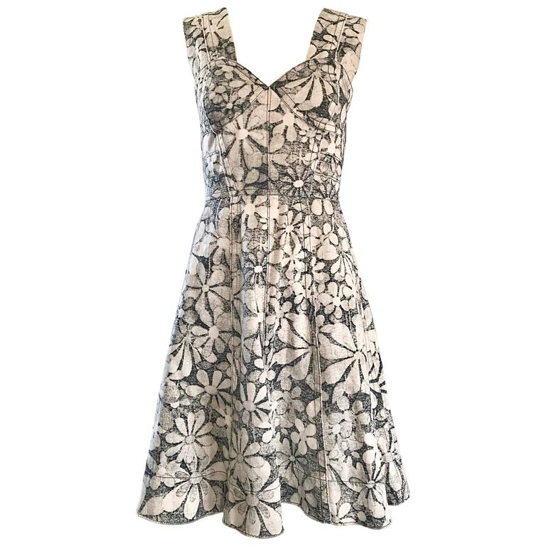 Marc Jacobs New Gray and White Denim Flower Size 0 Fit n' Flare Corset Dress