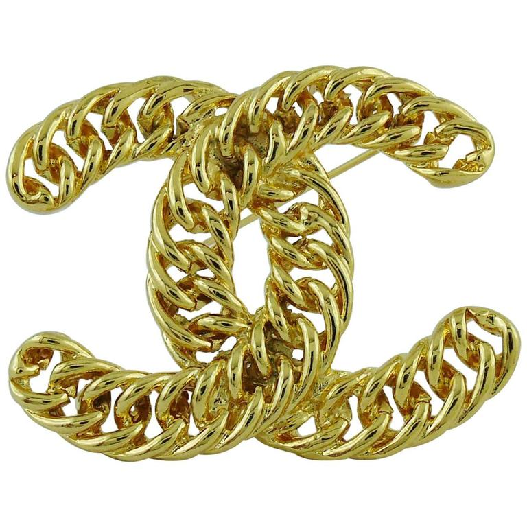Chanel Vintage Massive Iconic Gold Toned Curb Chain Logo Brooch For Sale