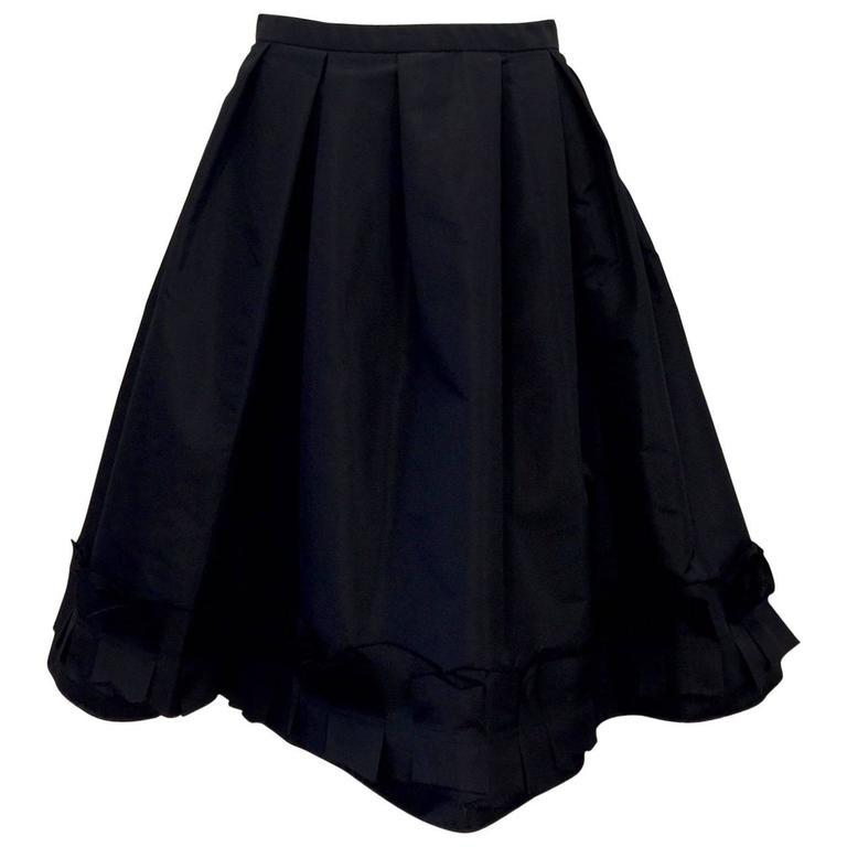 Oscar de la Renta Silk Blend Taffeta Full Skirt With Folded and Pleated Hem 1